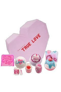 True Love Gift Box zestaw kosmetyków Kula Musująca 3szt + Mydełko Glicerynowe 2szt + Maślana Babeczka 2szt + Balsam do ust
