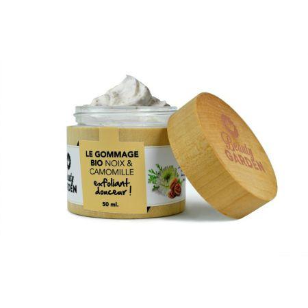 Organiczny peeling do twarzy z rumiankiem i orzechem włoskim